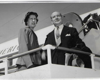 1954 Argentinian Press Photo - Ramon Maristany Managing Director Pond's and his wife leaving for New York HQ on 12 March 1954