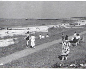 NAIRN BEACH, SCOTLAND - Unused Vintage Postcard Published by J B White of Dundee