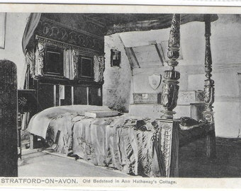 ANN HATHAWAY'S COTTAGE - Old Bedstead, Stratford-on-Avon, Warwickshire - Unused Vintage Postcard Published by Pictorial Stationery Co.