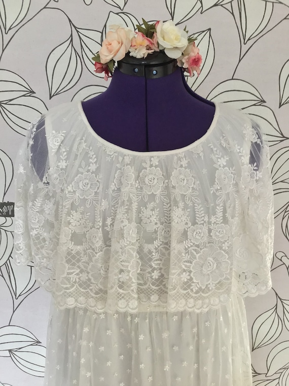 Romantic ruffled vintage boho wedding dress - image 3