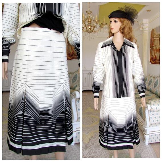 Womens suit vintage mod suit 70s suit ivory Stripe