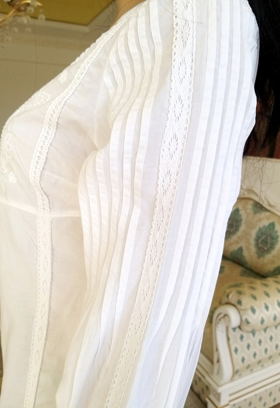 80s embroidery white blouse Victorian Clothing Vi… - image 6