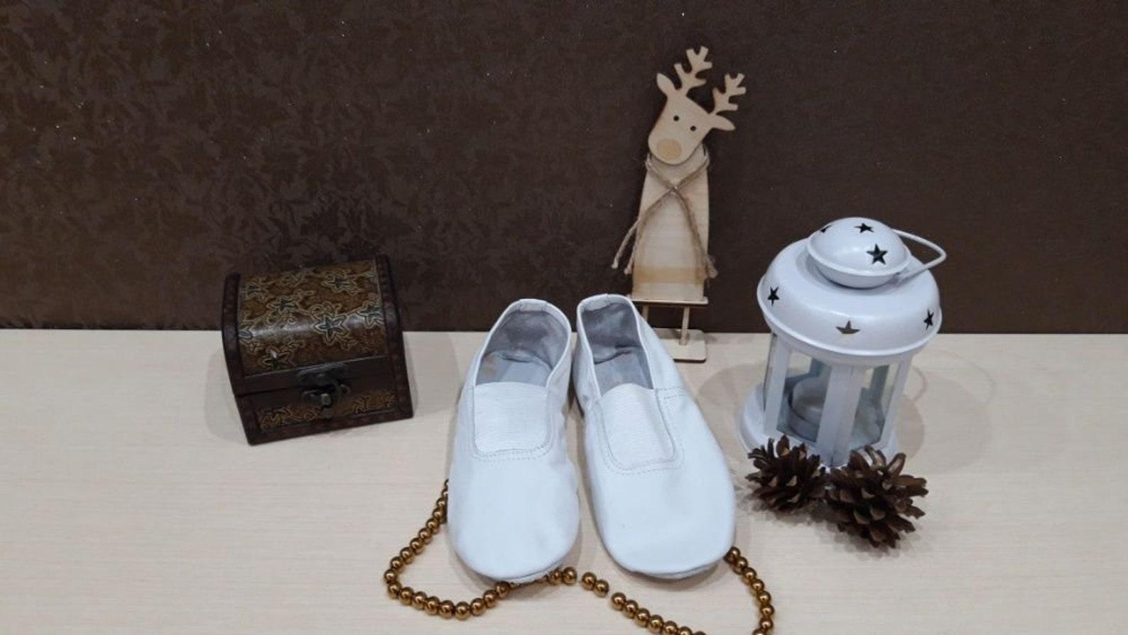 gymnastic shoes / gs / ballet shoes