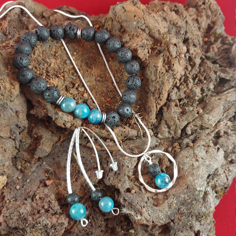 Necklace A Set of Blue Natural Apatite Jewelry The Iceland Ocean Set Christmas 2019 Set Bracelet and Earrings