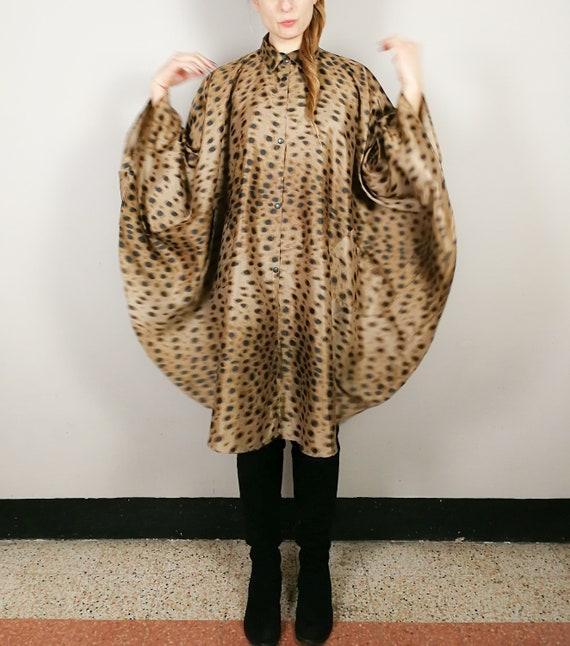 Animalier raincoat cape