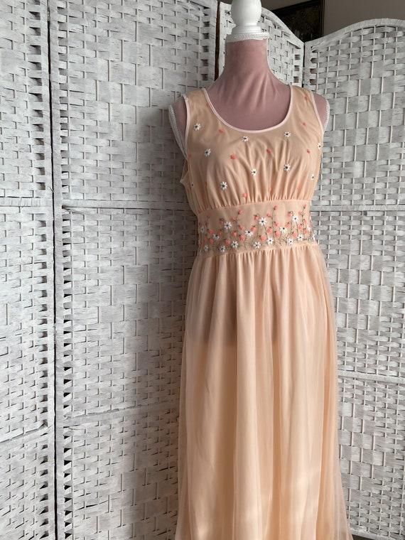 vintage 1960s/cottagecore dress/spring/flower emb… - image 4