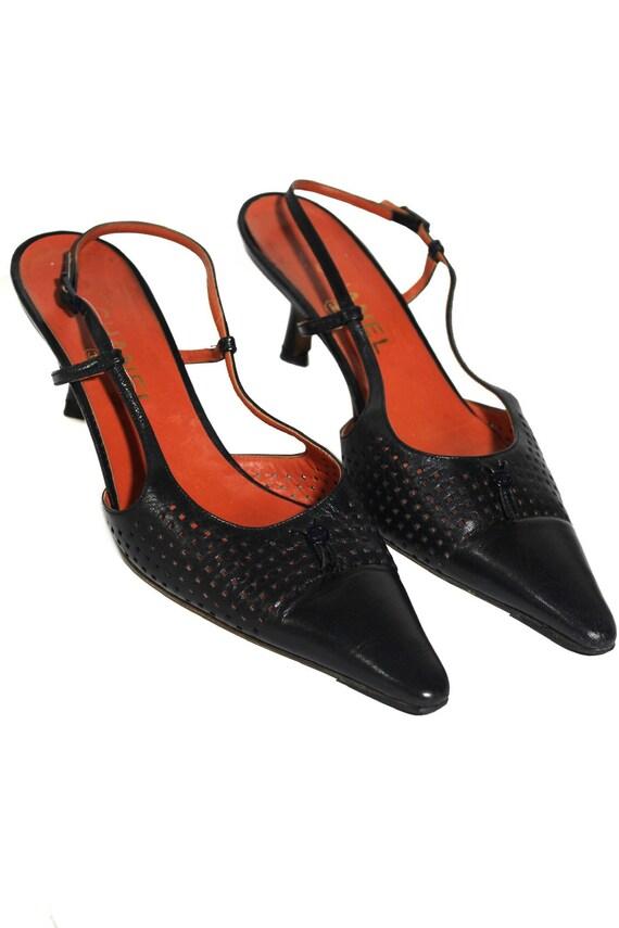 Chanel vintage 90s kitten heels black