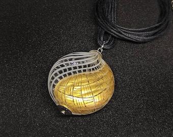 Murano glass necklace in Peridot Midnight Sun