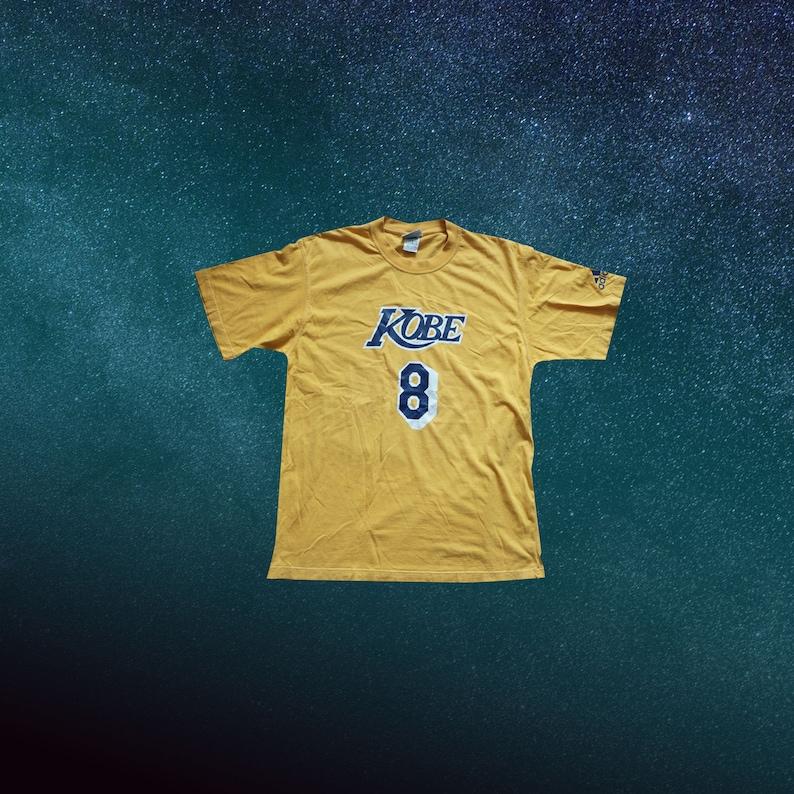 huge selection of 9b8e4 46e65 Vintage LA Lakers, Kobe Bryant T-Shirt, Size L