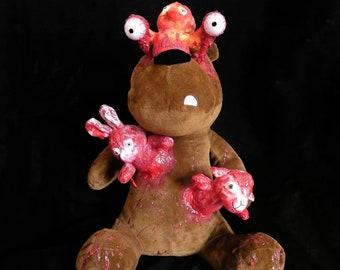 Doggo horror bear