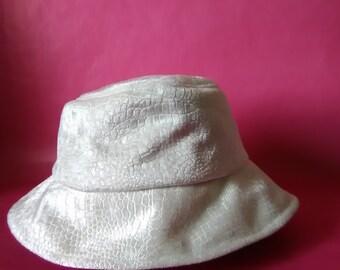 62dd0315 90s fashion faux snake print bucket hat