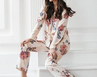de6be5e373 Women Pajama Set   Silk pajamas  Personalized gifts   Night Gowns   Pajama  for mother   Silk pajama pants set   Bridal party pajama