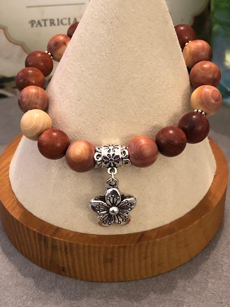 Mala bead 10mm bracelet fragrant cedar rosewood wood daisy charm friendship mom girlfriend  gift stretch stackable prayer beads yoga bff