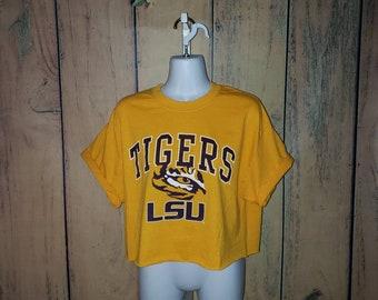 8ade9b7e7d84e8 LSU Tigers Graphic Tee Crop Top (Vintage)