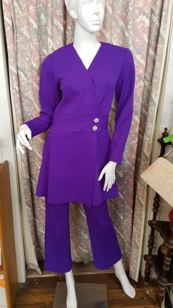 Vintage 1960s crepe pants suit