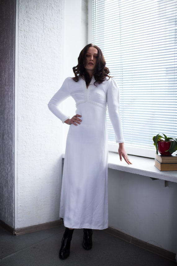 Vintage 60's White Minimalist Vogue Couture Weddin