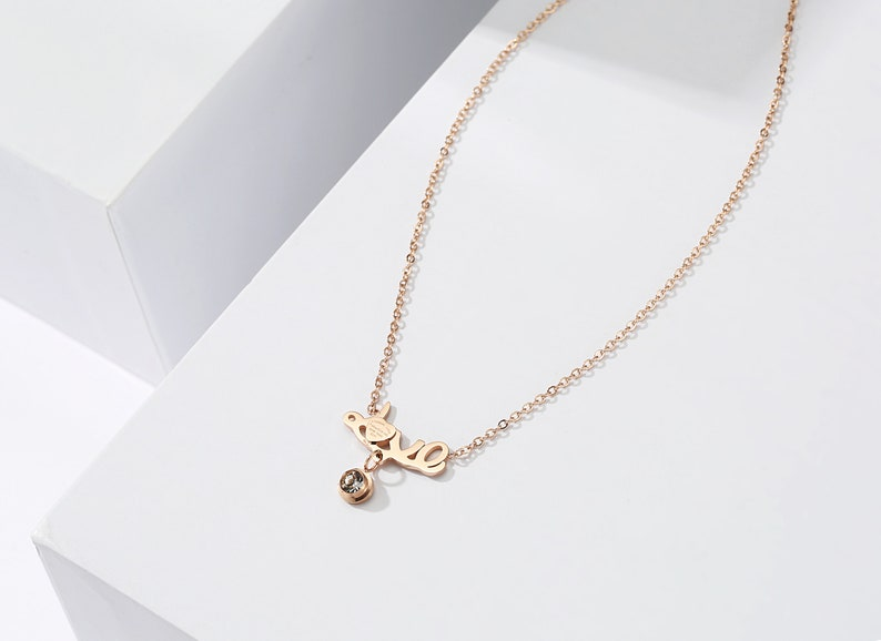 LOVE Charm Necklace Chain Necklace Simple Collar Necklace Dainty Necklace Delicate Necklaces for Women