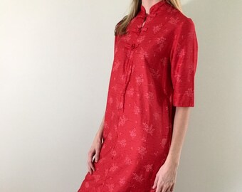 27ead8d67 60s 70s Vintage Red Asian Inspired Dress with 3/4 Zip and 1/2 Sleeves Small  Medium