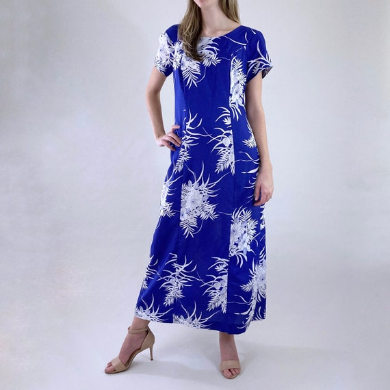 80s 90s Vintage Blue and White Hawaiian Maxi Dres… - image 4