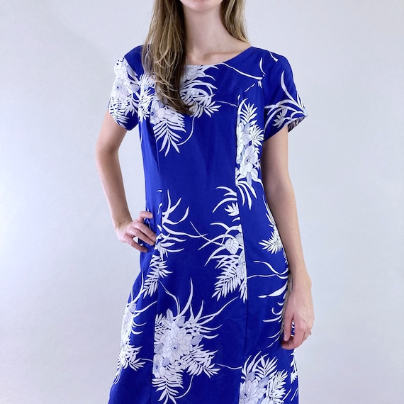 80s 90s Vintage Blue and White Hawaiian Maxi Dres… - image 2