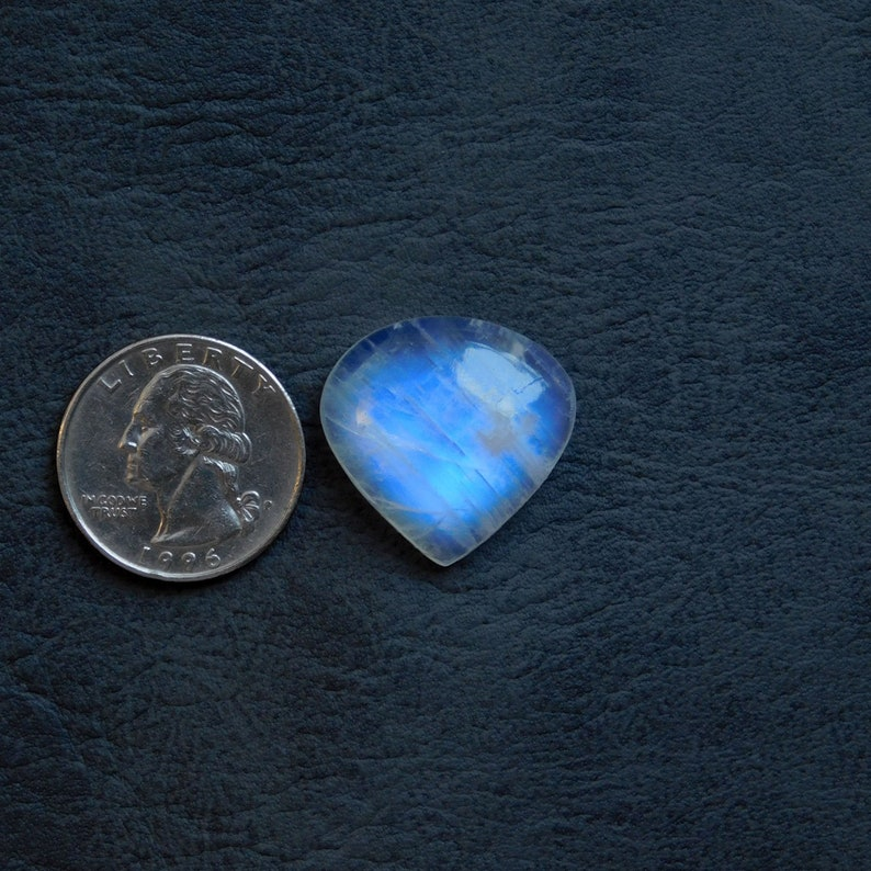 Very High Quality,Amazing Beautiful Blue flashy,100/% Natural,AAA+++Rainbow Moonstone Cabochon Gemstone,Heart Shape,Size25x24x8MM Weight34Cts