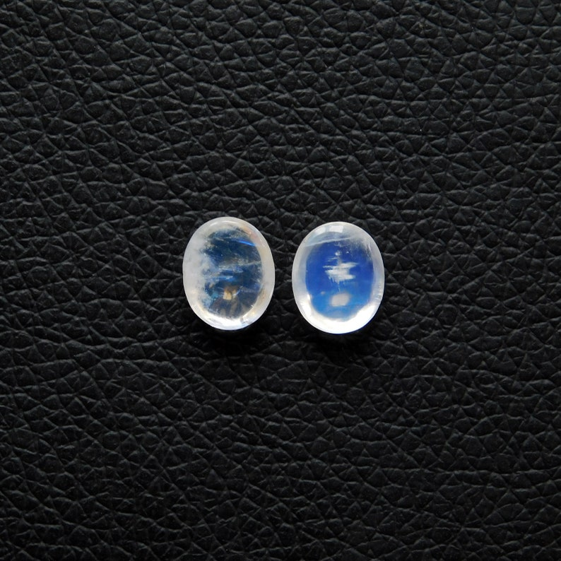 100/% Natural AAA+++ Rainbow Moonstone Cabochon Gemstone Blue flashy Oval Shape Size 11x9x4MM Weight 6.70Cts Designer Cabochon
