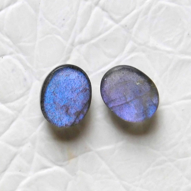 AAA+++Labradorite Cabochon,Approx Matching Pair Awesome Beautiful Purple Flashy,Oval Shape,Size10x8MM Calibrated 7.00Cts Ear Ring Stone