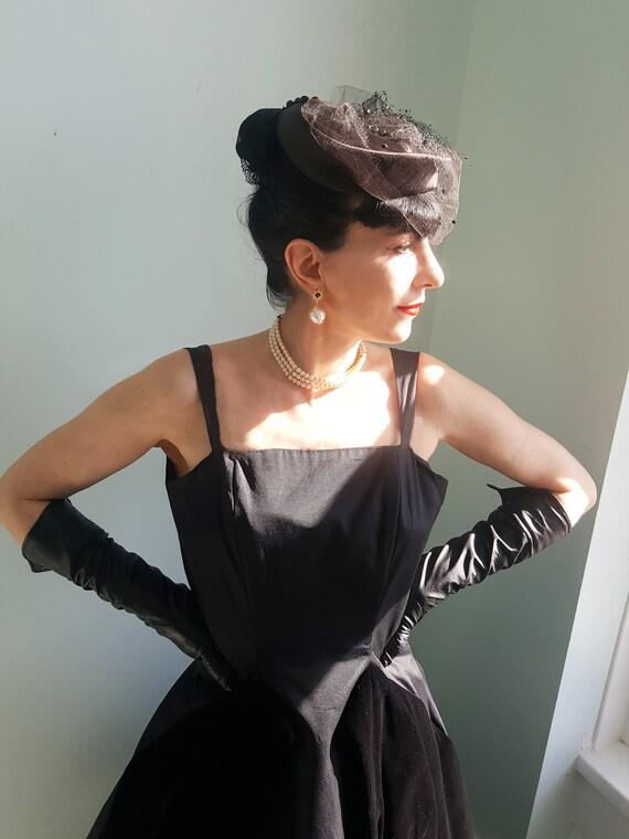 Elsa Schiaparelli satin & net veil 1940s hat