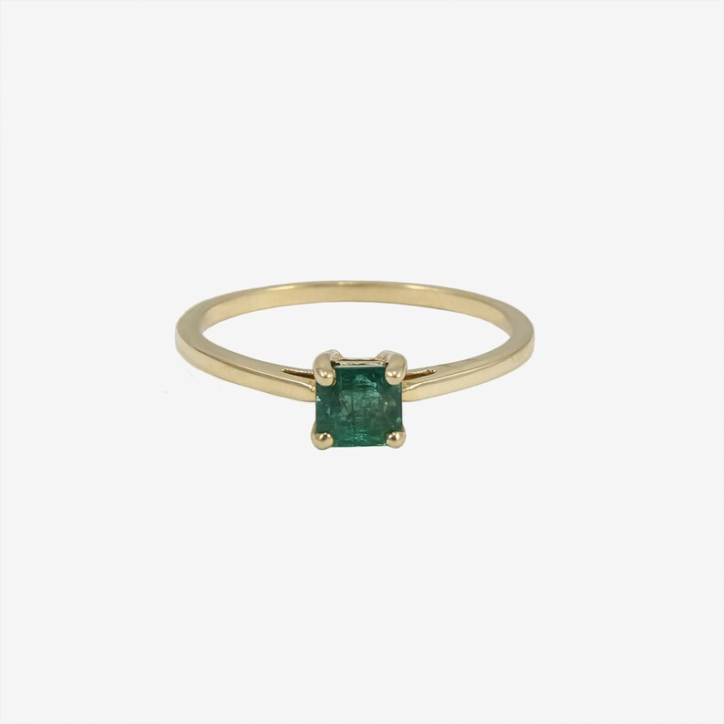 Promise Ring Minimal Ring Stackable Ring Emerald Ring 14K Gold set in Birthday Gift Anniversary Ring