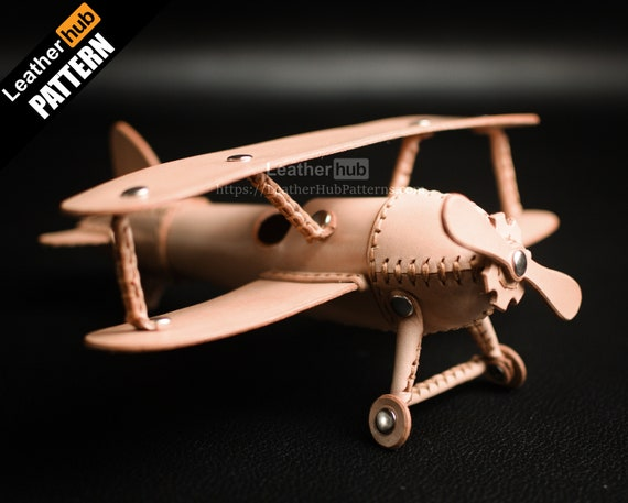 Toy plane pattern for leather craft PDF template with video tutorial - Leather plane model for DIY leather craft - Handmade leather toys