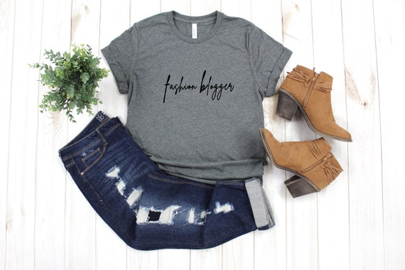 Fashion Blogger tshirt, social influencer, blogger tee, shirt for fashion blogger, womens tee, fashion tshirt