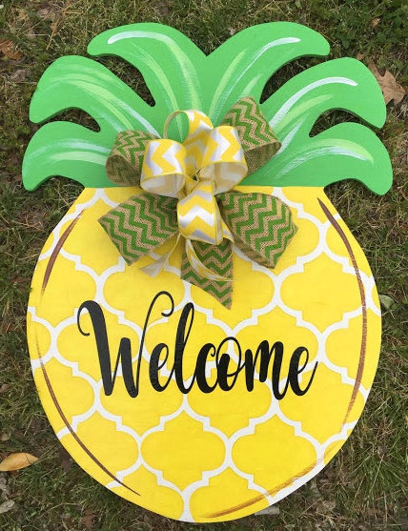 Yellow Quatrefoil Pineapple Door Hanger