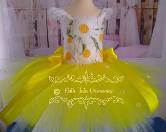 0c70dca79656d Robe tutu princesse courte. 3-4 ans. jaune et blanche. Pâque
