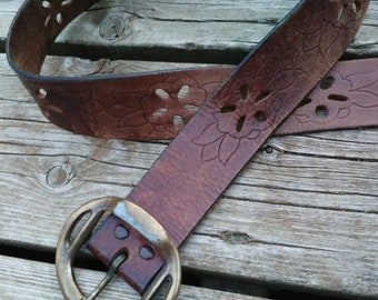 9dd3848f229f Vintage Boho Festival Tooled Cutout Brown Leather Belt Size L XL Hip Waist  60s 70s 36 To 42 Inch