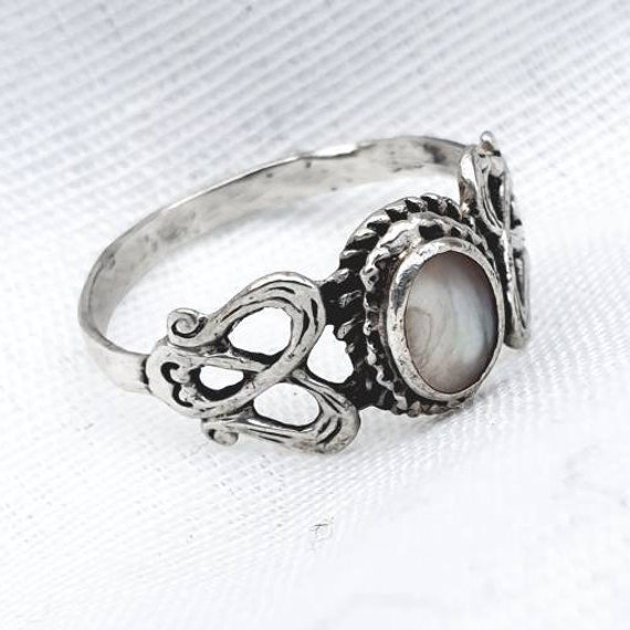 Celtic Silver Ring Vintage Silver Celtic Knot Ring Green /& Silver Ring Celtic Ring Simulated Connemara Marble Ring Vintage Celtic Ring