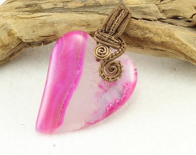 Pink Heart Pendant Necklace, Heart Necklace, Gemstone Necklace, Crystal Necklace, Heart Jewelry, Cosplay Jewelry, Gifts for Mom, Geode Heart
