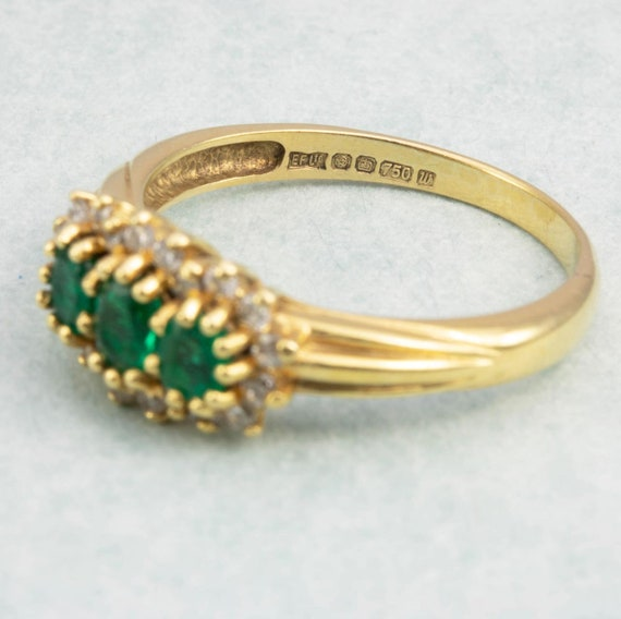 18ct Gold Emerald & Diamond Triple Cluster Ring |… - image 6