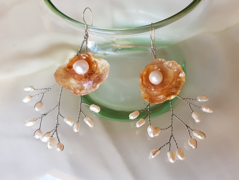 Bridal Accessories Wedding Art SeeShells Romantic Vintage Love Mother of Pearl Earrings Floral Bridal Earrings Boho Freshwater Pearls