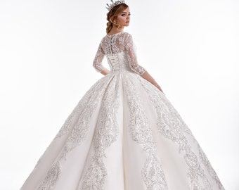 c66d7157358 Luxurious Lace   Royal Satin Ball Gown Wedding Dress w Illusion Sweetheart  Neckline