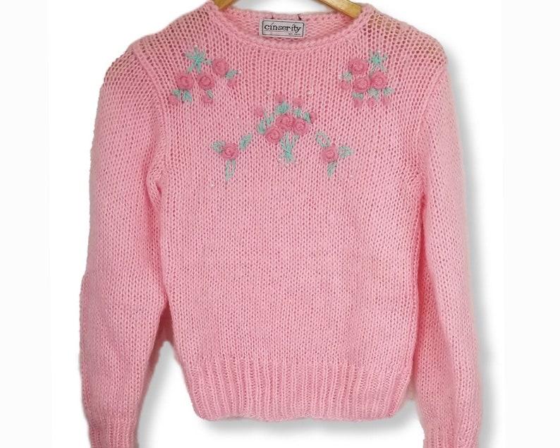 Vintage Cincerity Pink Knit Sweater w Pearl /& Floral Details