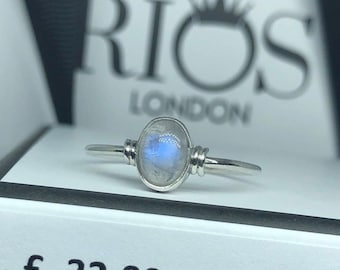Gorgeous Oval Moonstone 925 Sterling Silver Rios London Gemstone Ring. Unique Birthday, Anniversary or Wedding Present in Beautiful Gift Box