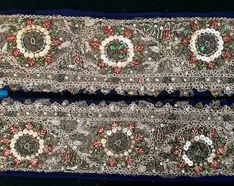 1 kg Vintage silk saree Handmade border patches Boho silk patches,Indian Sari Fabric Swatches Boho Bohemian Junk Silk Sari Lace Trimmings