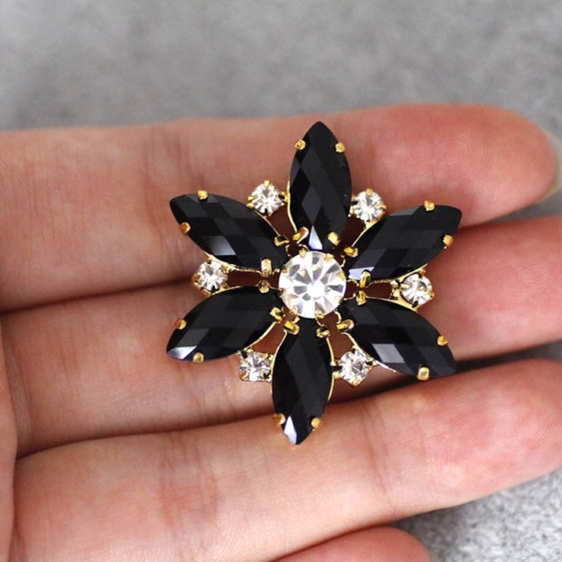 50e60f28d6 2pcs 35mm black Flower Shape Sew On Rhinestone With Claw Setting Gold Back  Fancy Stone With Metal Claw For clothing decoration