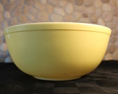 Vintage, Pyrex, Primary Colors, Nesting Mixing bowl. Yellow, 4 Qt.