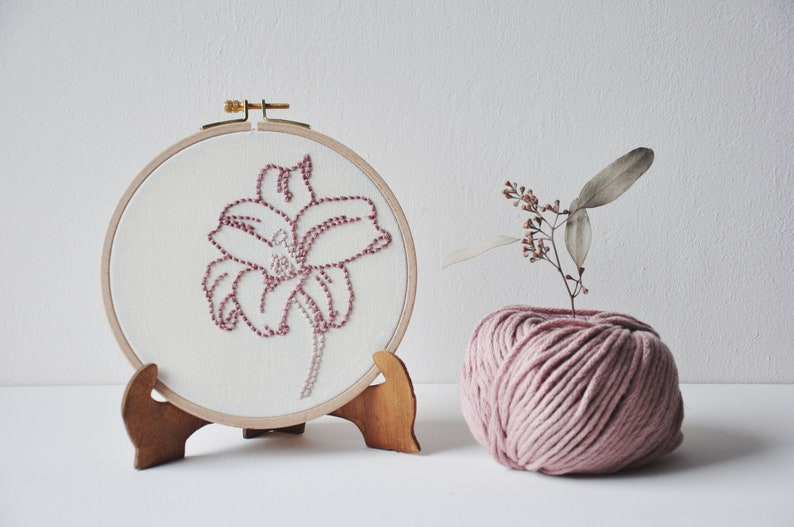 Fleur de Lys embroidery wall decoration embroidered drum image 0
