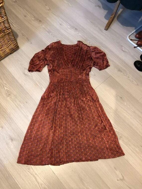 Dress from the 1940s - 1940s dress - WW2 fashion -