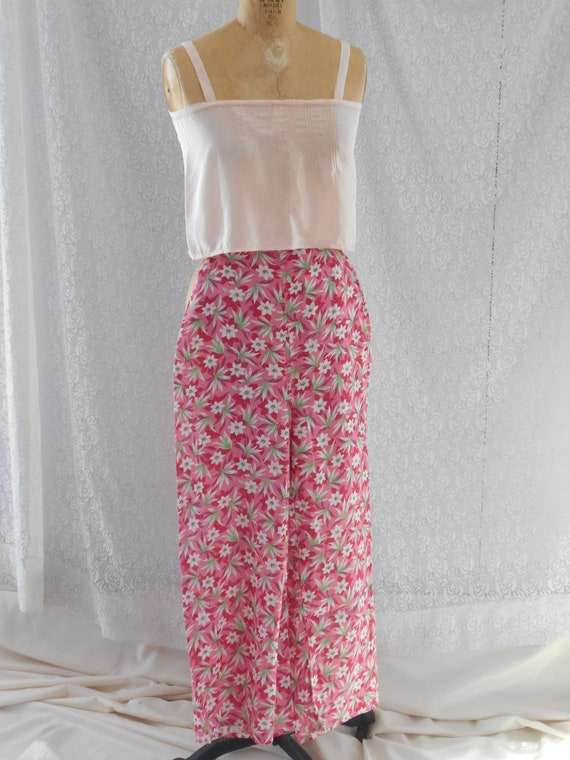 1930's Pink and Red Floral Beach Palazzo Loungewe… - image 3