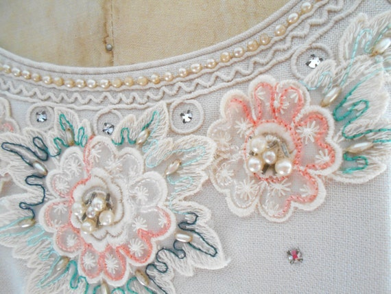 Pretty 1940's Dress/Bolero with Embroidered Flowe… - image 5
