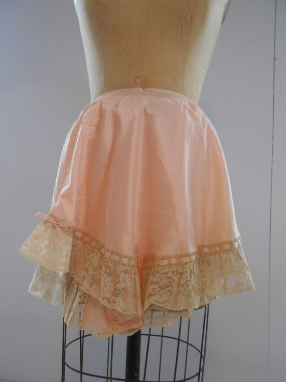 Beautiful 1930s Peach Tap Pants-Never Worn