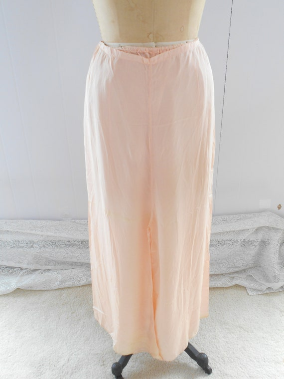 Pretty 1930s Light Peach Silk Pajamas/Loungewear/… - image 2